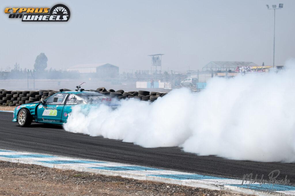 Nissan Silvia blue drifting