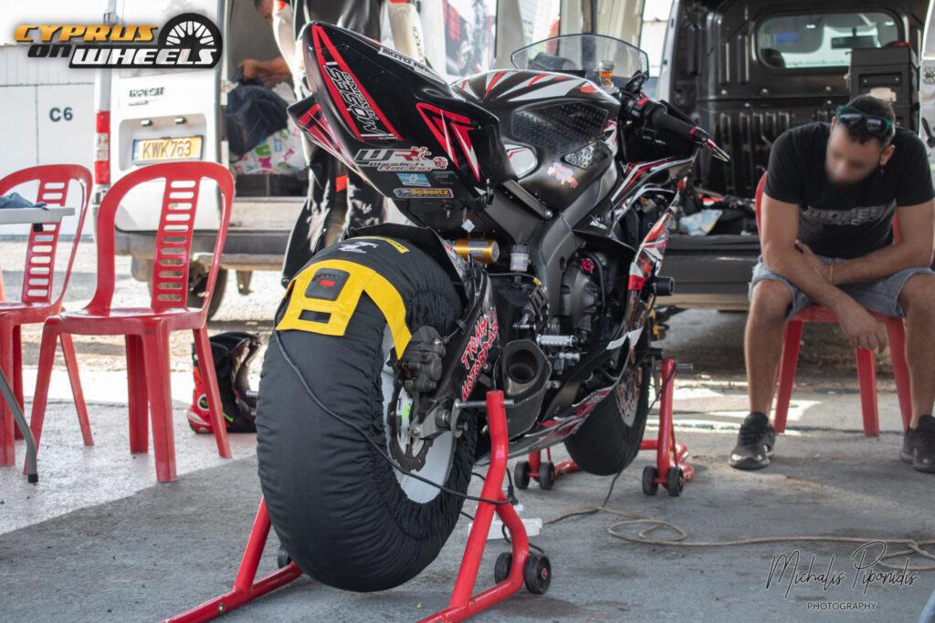 Superbike pit stop