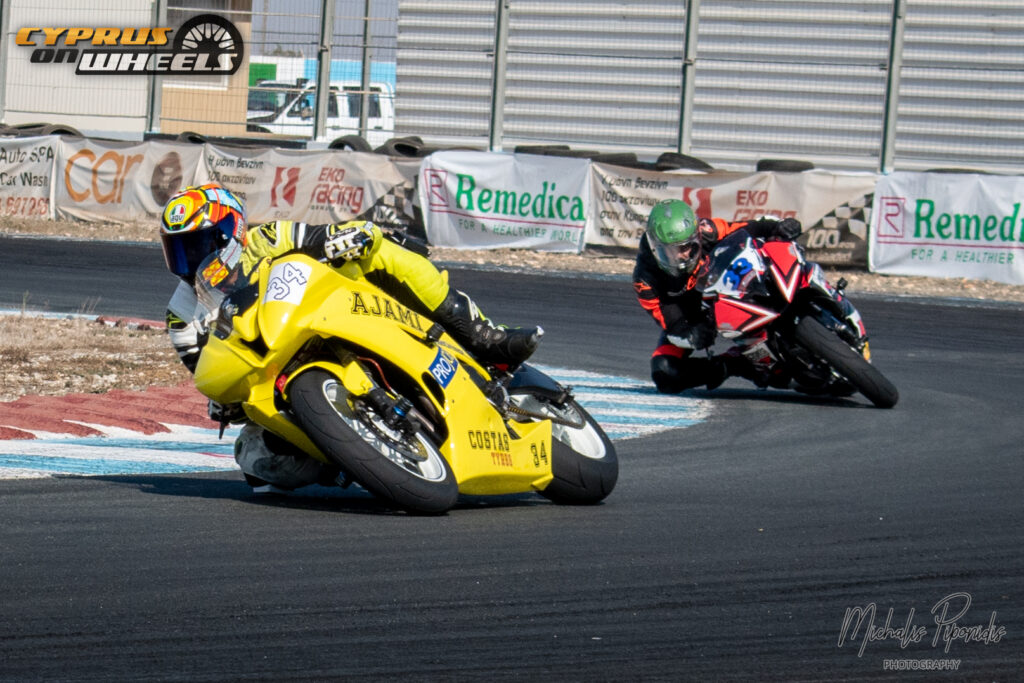 Motorcycles racing cornering suzuki yamaha