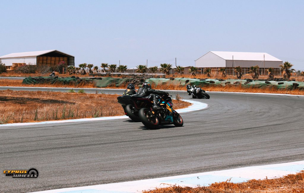 motorcyle racing