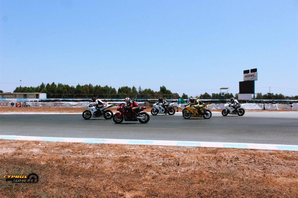 motorcycle racing motorace