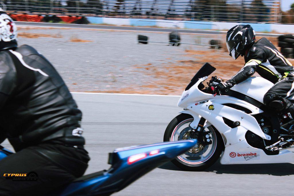motorcycle braking load front shock loading